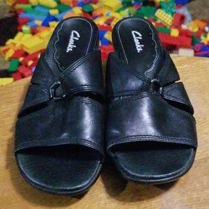 Clarks Womens Leather Sandals Sz 6.5M Black Flats